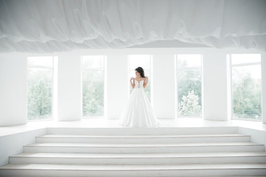 Wedding photographer Maksim Dvurechenskiy (Dvurechenskiy). Photo of 13.09.2017