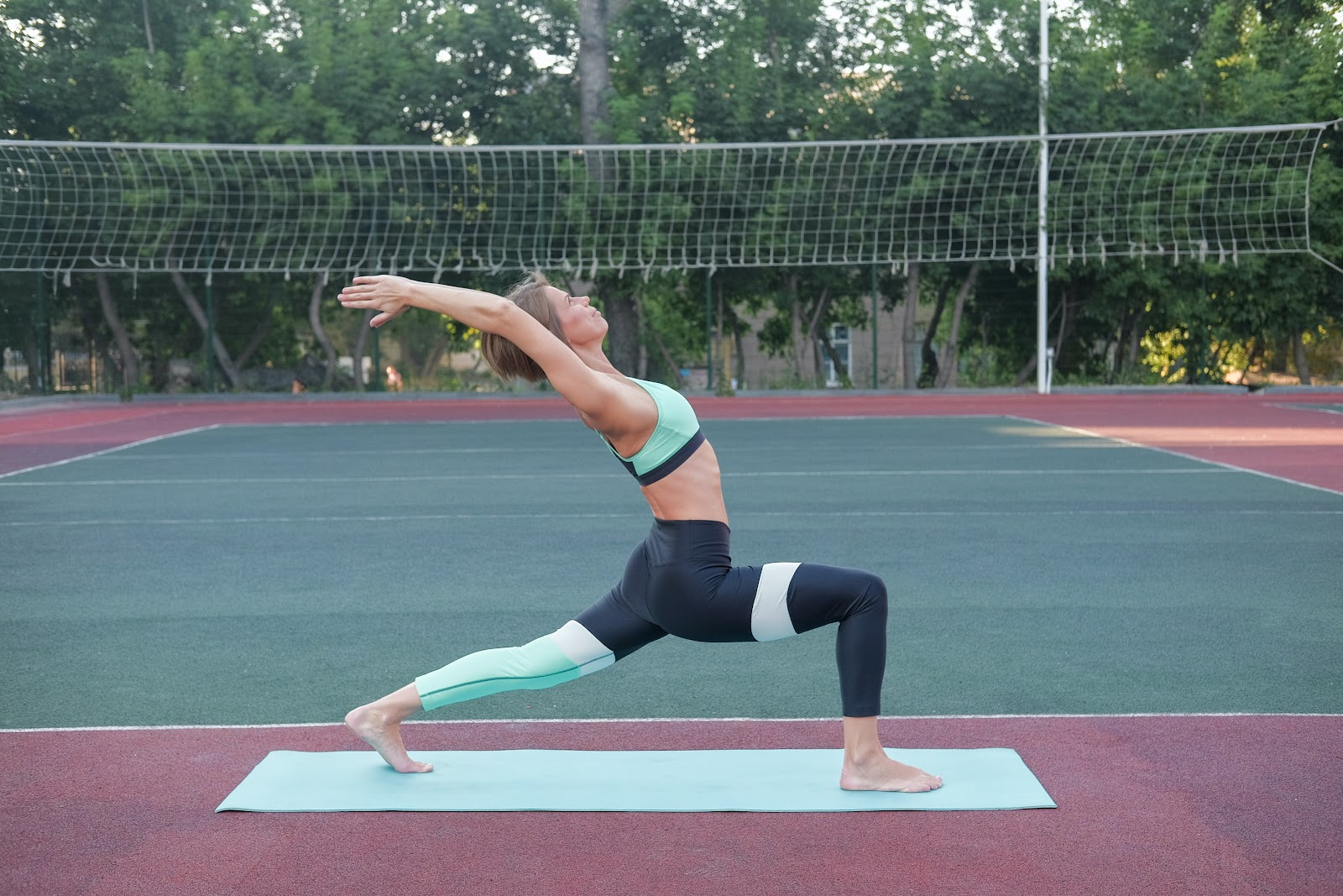 Karate Stretches / Front Lunge Stretch
