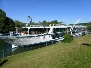 """Photo: """"Petite"""" barque de 111m de long !"""