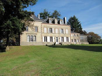 château à Les Herbiers (85)