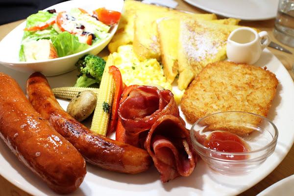 上菜囉 Viva la fete法式餐廳!澎派法式早午餐!首推日耳曼巨無霸早午餐