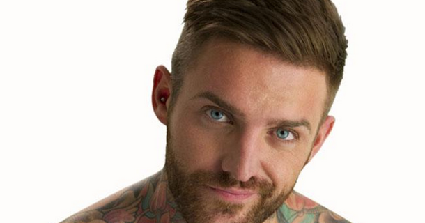 Aaron Chalmers wins debut MMA fight