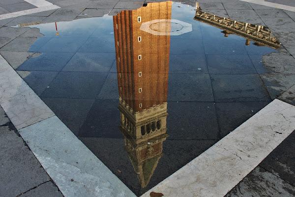 Art in the mirror di Federica Godi
