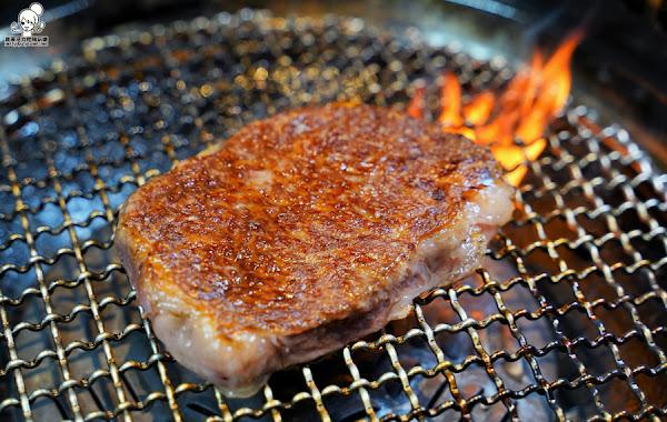 燒烤推薦挑逗舌尖味蕾享受的 路易奇火力會社,高樓層聚餐、大口吃和牛燒肉