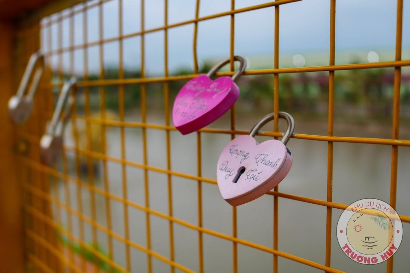 Nguồn gốc của khóa tình yêu