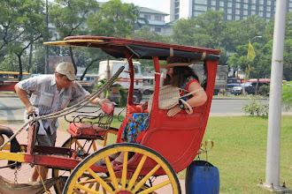 Photo: В таких экипажах катают по Маниле туристов