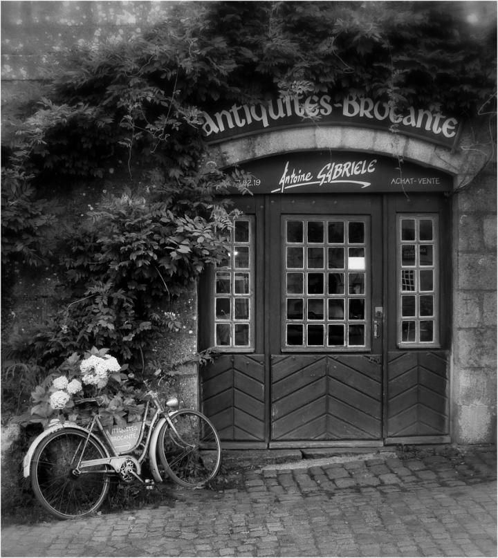 La bici di Antoine di ETTORE STABILINI