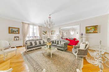 Appartement 6 pièces 241 m2
