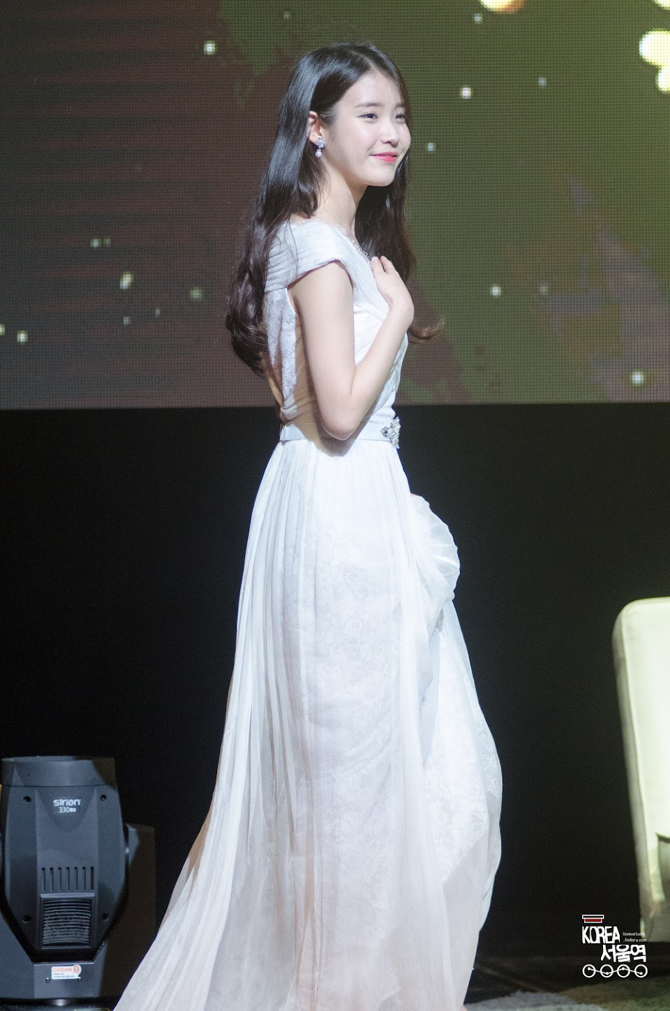 iuwhitegowns_7th anniversary fanmeeting 2015