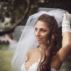 Wedding photographer Viktoriya Rendom-Savinkova (VickyRandom). Photo of 05.12.2013