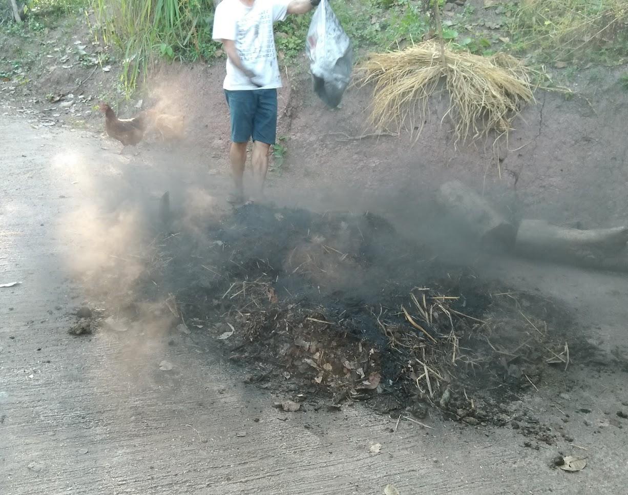 バイオ炭投入。