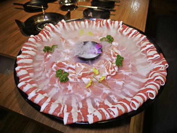 瀧厚鍋物-火鍋 敦北店,肉肉控的最愛,大胃王雙人餐+379元龍蝦海鮮拼盤,兒童遊戲室(菜單)