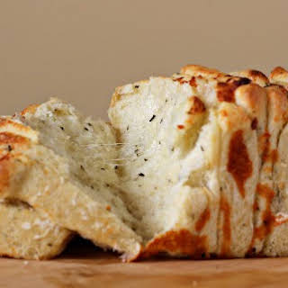 Italian Herb and Cheese Pull-Apart Bread.