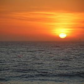 Good Morning!! by Gavin Plessis - Landscapes Sunsets & Sunrises ( sunrise, beach, sun, sea, morning )
