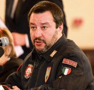 Salvini poliziotto