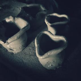 Pots by Jon Soriano - Sculpture All Sculpture ( vigan, sculpture, ilocos, jonr, art, pots, philippines )
