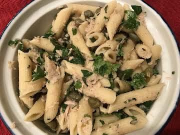 Penne Tuna herbed salad