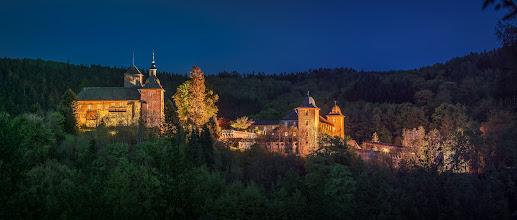Photo: Frühlingsabend an der #Burg #Schnellenberg in #Attendorn im #Sauerland  -- #Spring evening at the #castle of Schnellenberg in Attendorn in the Sauerland region in western #Germany  -- #nightphotography #nachtfotografie #bluehour #Blauestunde #schloss #palace #panorama #panoramaphotography #frühling