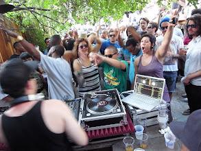 Photo: DJ Higher was going inn