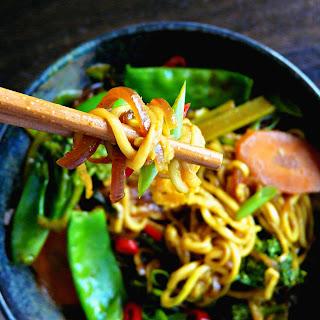 Plant-based Malaysian Satay Noodles (Vegan + gluten, grain &sugar-free)