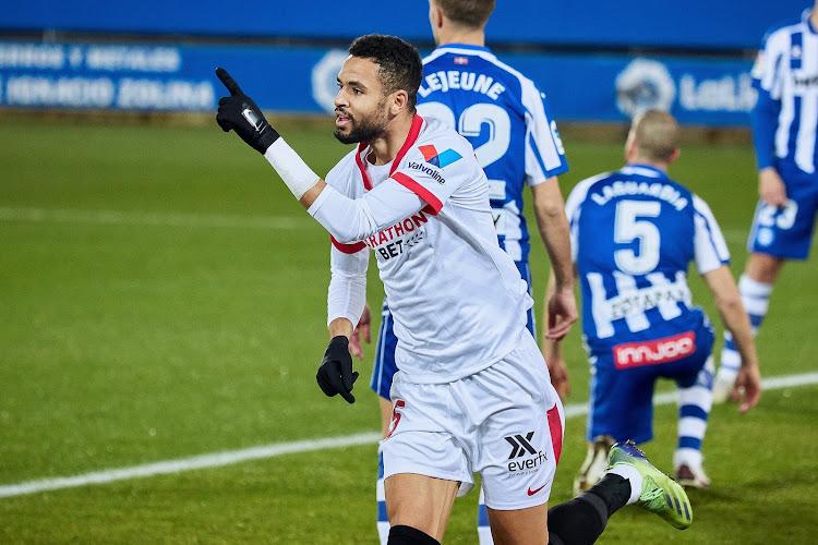 Sevilla wint en moeit zich opnieuw in de titelstrijd