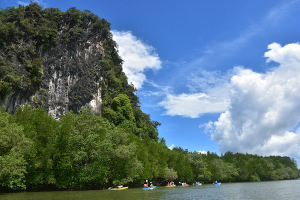 Enjoy kayaking in the dramatic karst topography of Bor Thor