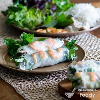Vietnamese Shrimp Spring Rolls (Nem Cuon Tom)