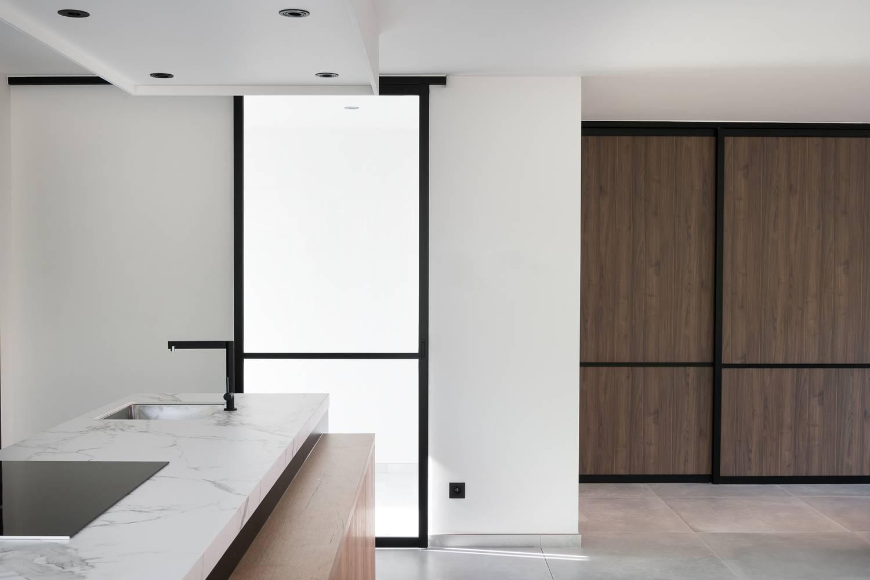 Schuifdeur Badkamer Hout : Badkamer spiegelkast met schuifdeuren dsc badkamer spiegelkast