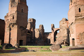 Photo: Caracallan kylpylän raunioita.