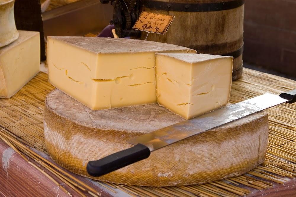 gourmet-cheese-india_gruyere