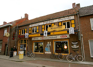 Photo: Serie Op Cafe. Brouwershuis Baarle Hertog. Tekst en foto Leon Krijnen