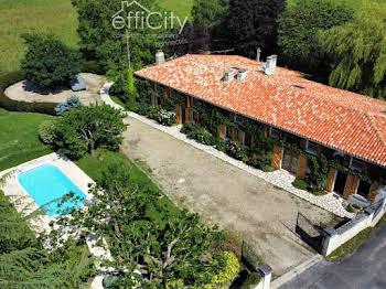Maison 11 pièces 440 m2