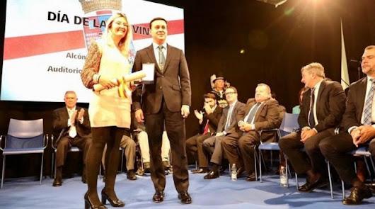 El Almería Femenino recibe la medalla del Deporte de la Provincia