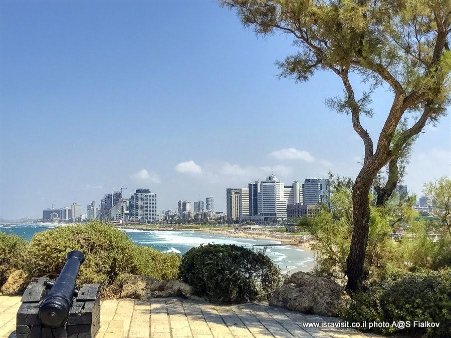Вид из Старого Яффо на Тель Авив. Экскурсия в Яффо, Израиль.