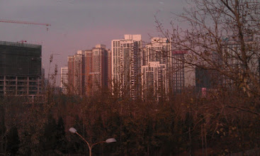 Photo: Jestli mate pocit, ze Dubina je panelovy peklo, tak byste meli videt periferie Pekingu...