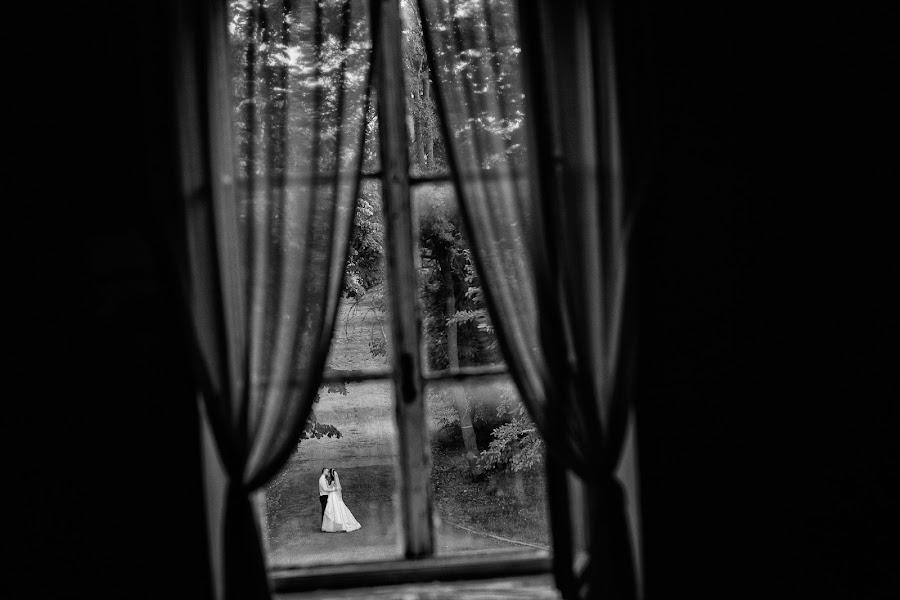 Wedding photographer Marius Barbulescu (mariusbarbulesc). Photo of 27.01.2016