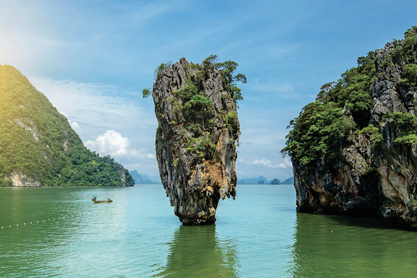 Take a photo of James Bond Island Rock