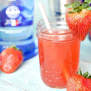 Easy Strawberries & Cream Cocktail