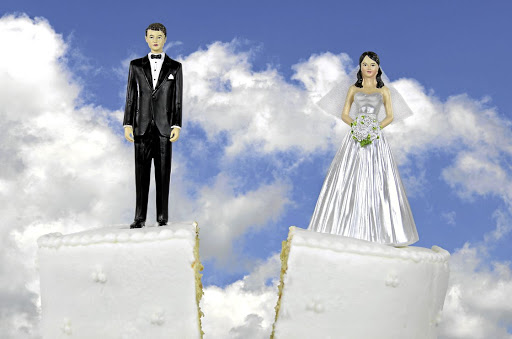 Are happy marriages pie-in-the-sky? A hot-shot couple shows how easy it is for affairs to mess things up.