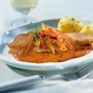 Gebratenes Schweinskaree mit Paprika-Pfeffer-Sauce