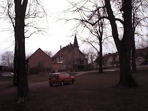 Photo: 2003 - Der Schützenplatz mit Pfarrhaus