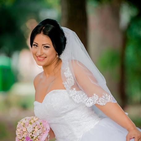 Wedding photographer Ionut Floricescu (floricescu). Photo of 16.06.2016