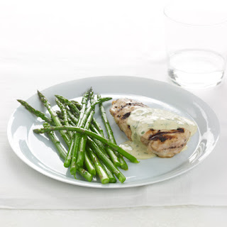 Grilled Chicken with Mustard-Tarragon Chobani Sauce