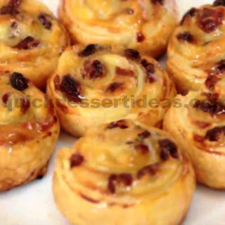 Buns With Raisins