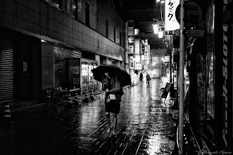 Photo: 嵐の前の静けさ The calm before the storm  Tokyo Street Shooting  Location; #Shinjuku , #Tokyo , #Japan   #photo #photography #streetphotography #streettogs  #leica #leicaimages #leicammonochrom #leicamonochrom #leicamonochrome