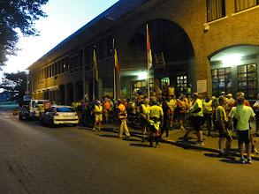 Photo: In het begin zal de politie ons begeleiden
