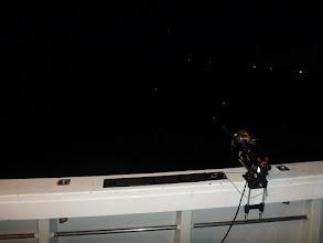 Photo: 前で釣っている〇〇さんもガンバってます!