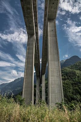 Viadotto Biaschina (CH) Costruzione in cemento armato anni 80 di jandmpianezzo@bluewin.ch