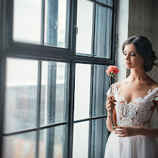 Wedding photographer Nastya Miroslavskaya (Miroslavskaya). Photo of 14.05.2017