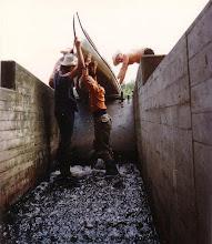Photo: 1982: An der Vechte: Bootsgasse an einem Wehr
